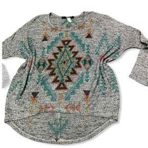 AZTEC PRINT LONG SLEEVE TOP SIZE LARGE
